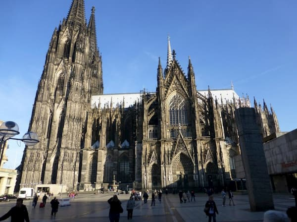 Cận cảnh nhà thờ Cologne