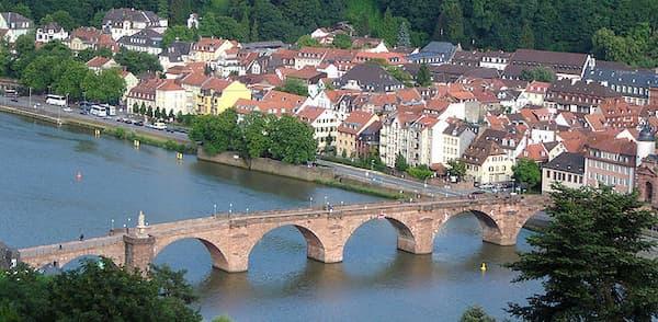 Cầu Alte Brücke