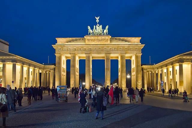 Cổng Brandenburg về đêm